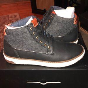 Men's fashionable high top sneaker